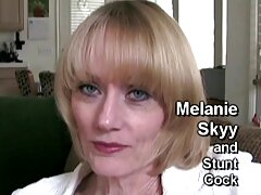 本当の肛門の母親、ジリアンは、彼女の口を閉じ、彼女の目を大きく開いています 女性 専用 エロ 動画