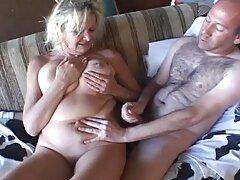 レズビアンのカップルは医者に泡を吹く。 えろ 女 動画 !